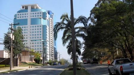 Fachada do Edifício Monte Carlo na Alameda Mamoré em Alphaville - Barueri - SP  Foto Jr. Holanda
