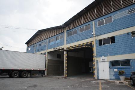 Fachada do Galpão para Locação na Estrada dos Romeiros no Município de Barueri -SP . Foto Jr. Holanda 04.12.2012