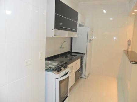 Apartamento Completo de Armários. Região Nobre na Praia do Guarujá próximo ao Hotel Casa Grande.