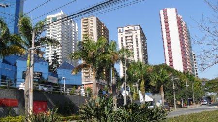 Fachada Edifício Saint Paul localizado na Alameda Cauaxi em Alphaville - Barueri - SP. Foto de Júnior Holanda.