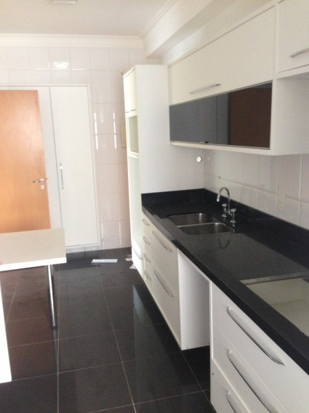 Foto Cozinha Apartamento Resort Tamboré Alphaville.