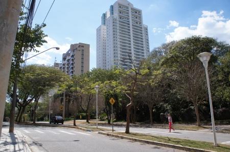 Splendore Premium Residence  04 Suítes e 243,00m2 AU. Localização Nobre em Alphaville Praça Oiapoque. Foto com direitos autorais de Junior Holanda.