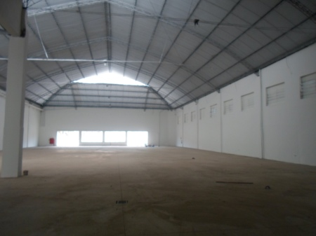 Galpão para Locação no Centro da Cidade de Araras - SP. Ideal para Supermercado.