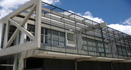 Prédio industrial, de escritórios ou de armazenamento. Localizado na Alameda Juruá em Alphaville Barueri SP.