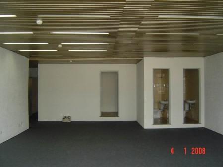 Prédio industrial, de escritórios ou de armazenamento.