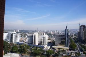 Vista do Edifício Alpha Premium e da Alameda Rio Negro. Foto de Júnior Holanda Setembro 2014.