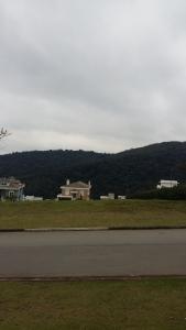 Vista do Terreno de cima do Lote. Terreno Aclive Residencial Genesis 2. Foto Junior Holanda em 02.06.2015. Veja mais Imóveis em: https://www.facebook.com/alphaville.imóveis