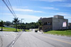 Na Foto Avenida Trindade. Lote localizado ao final da Avenida lado esquerdo da imagem.